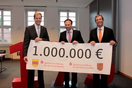 Christian Schulze Pellengahr (Landrat Kreis Coesfeld), Dr. Kai Zwicker (Landrat Kreis Borken) und Heinrich-Georg Krumme (Vorstandsvorsitzender)