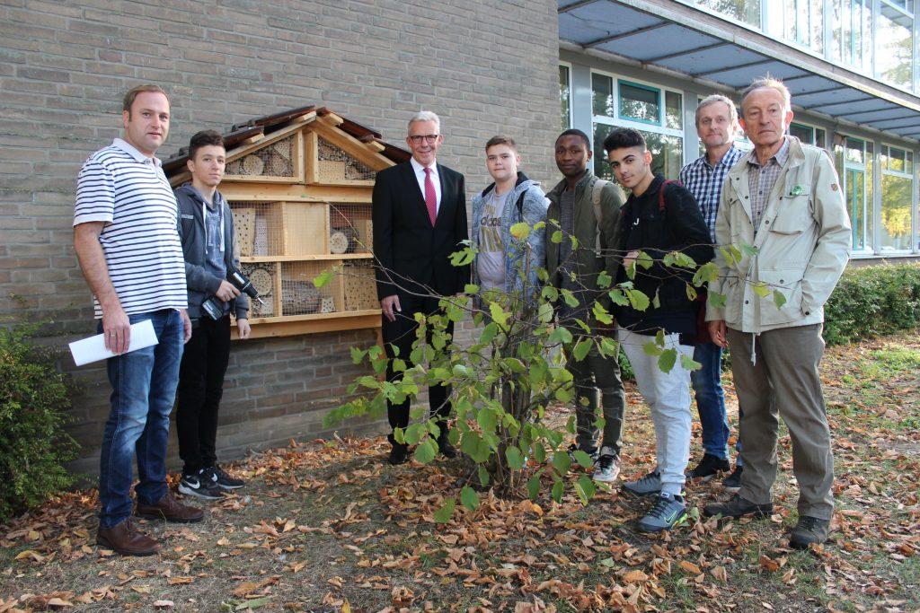 Die Gesamtschule Borken setzt sich aktiv für den Schutz der Wildbienen ein.