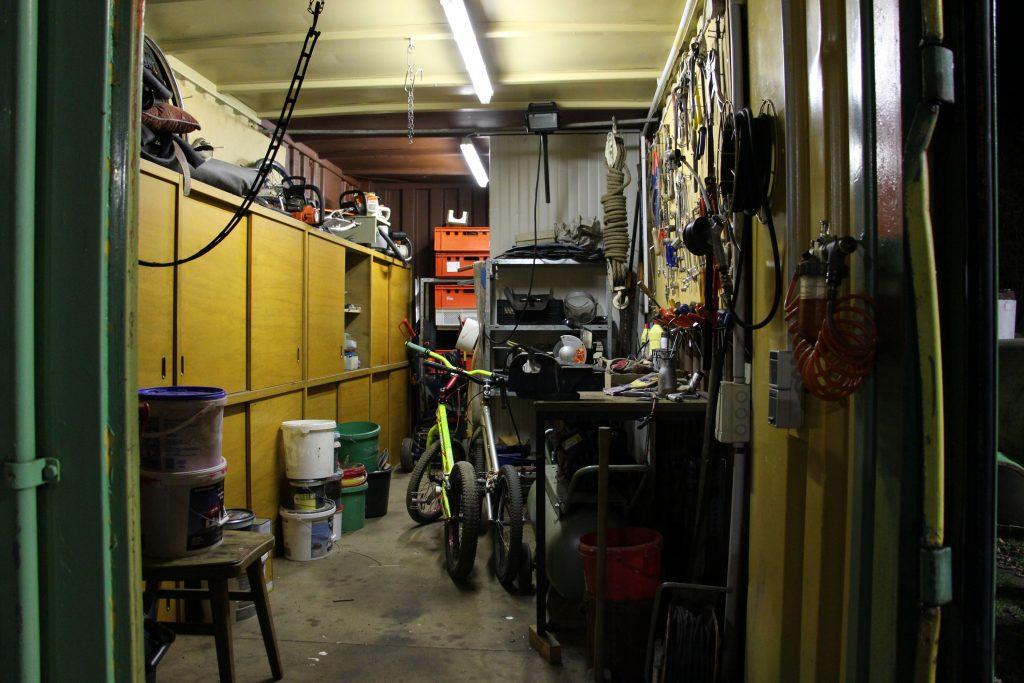 Auch eine Werkstatt und ein Vereinsheim sind auf dem Gelände integriert.